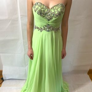 NWT Cache prom dress size 0 line green color